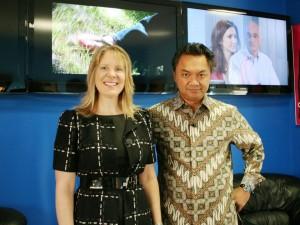 AKWorld President Lise Falskow with Indonesian Ambassador Djalal in the Dan Fagan Show studio